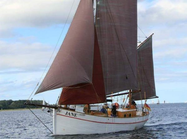 Danish-gaff-ketch-Jane-600x446