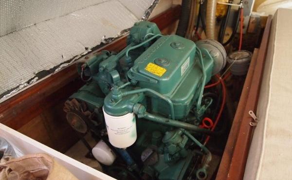 Gaff-Cutter-Engine-room-3-Copy-600x450