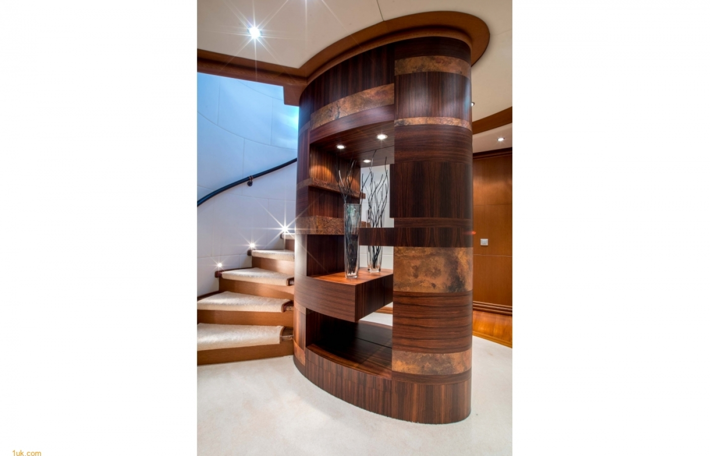 foyer-staircase