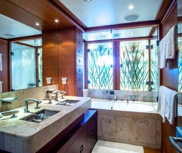 double-bathroom