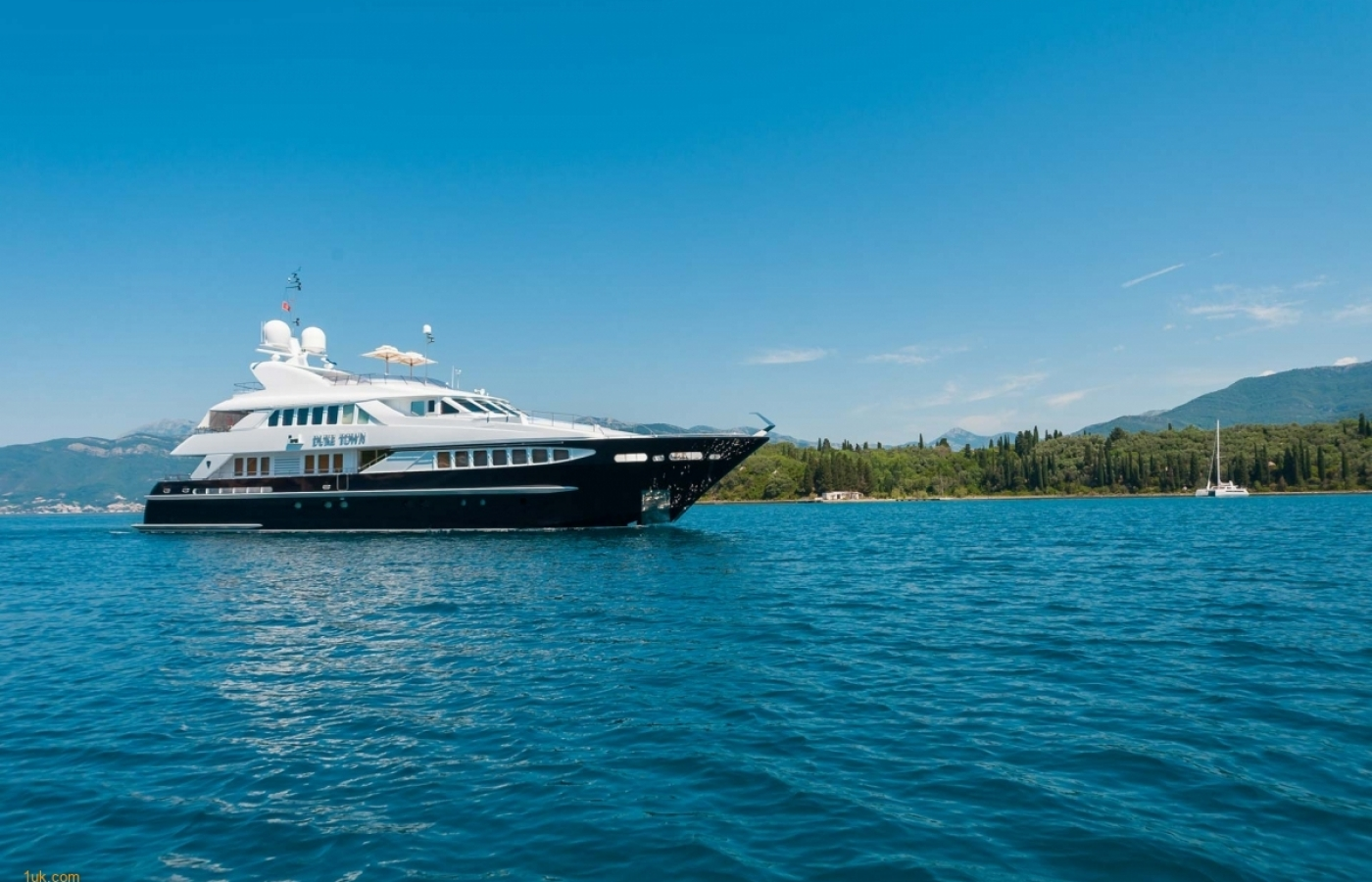 Duke Town Superyacht available to charter in Croatia