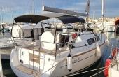 Beneteau Oceanis 31 to charter in Spain