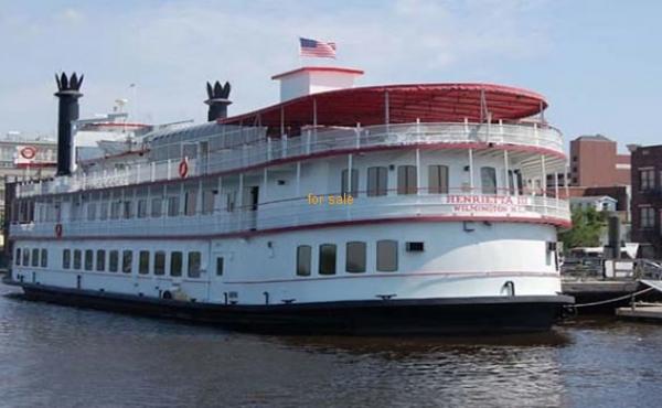 Serodino Dinner Boat Henrietta