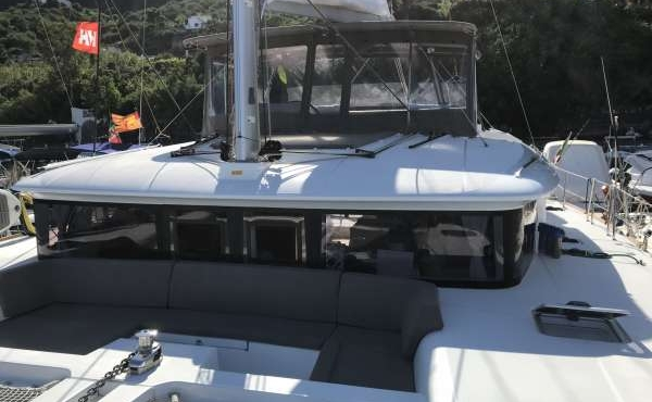 Top decking of the boat