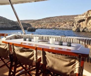 Yacht Sicilia - MD aft