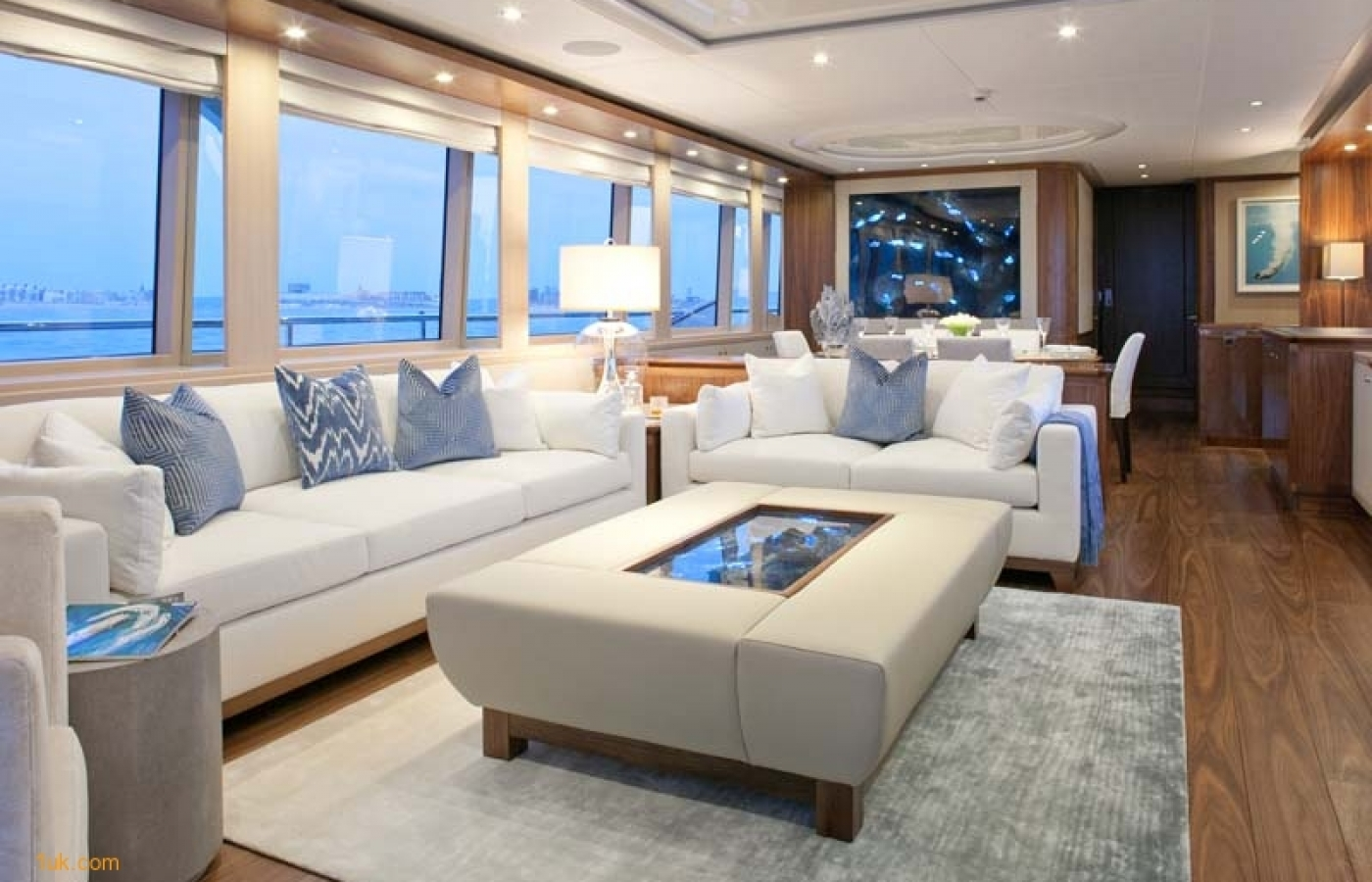 Yacht Firefly - Lounge