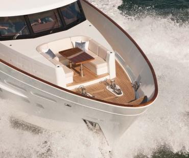 luxury Yacht Firefly - Bow