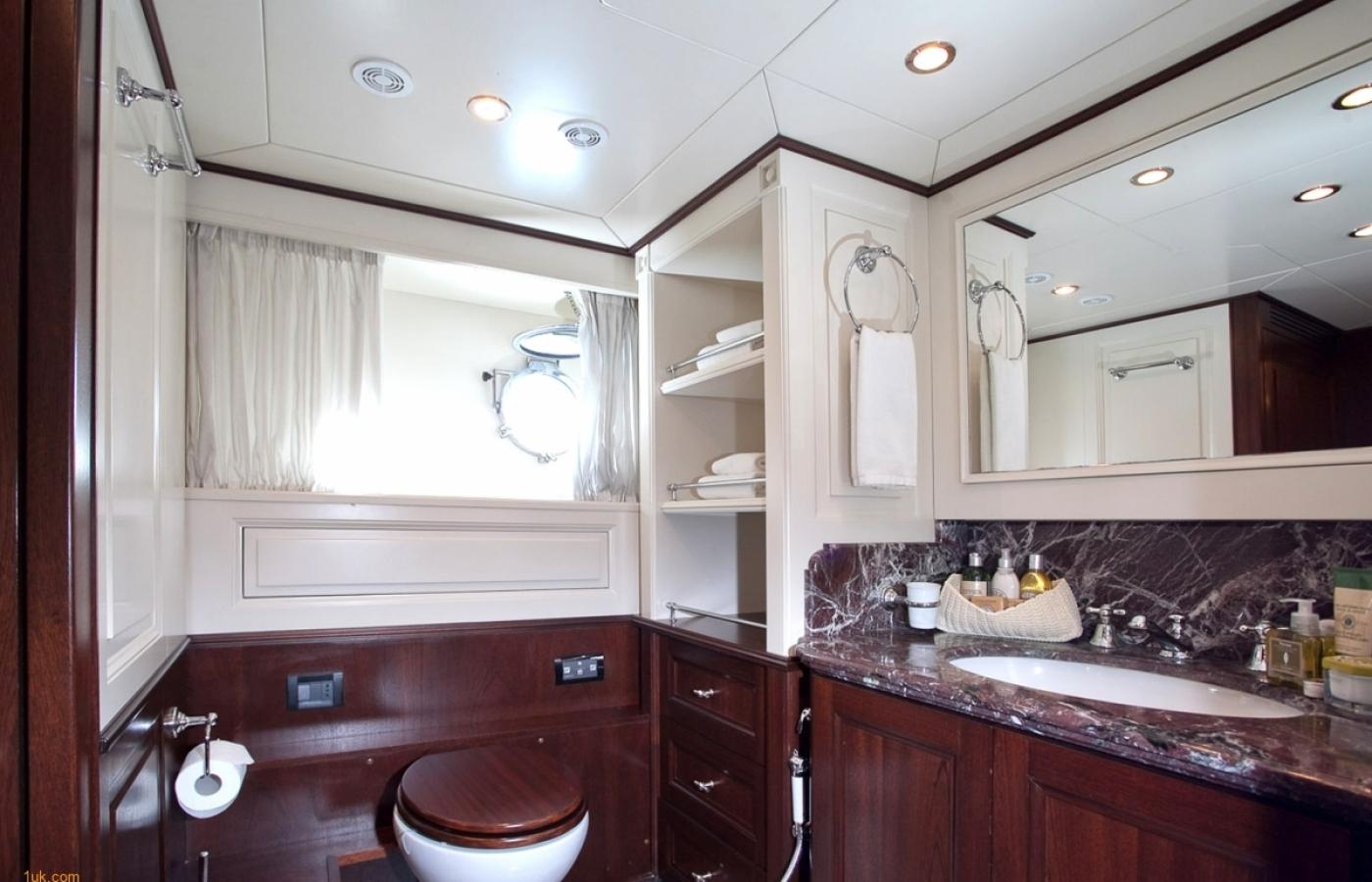 Harmonya_Master Cabin Bath