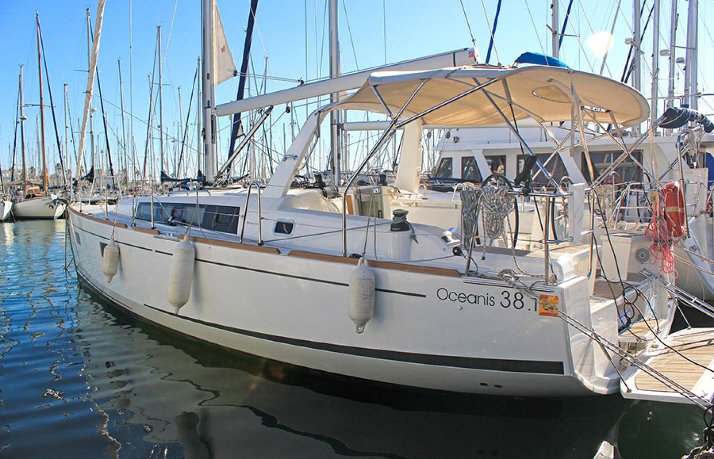 Beneteau Oceanis 38.1. - Tifon