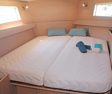 Double cabin on the yacht charter in Spain