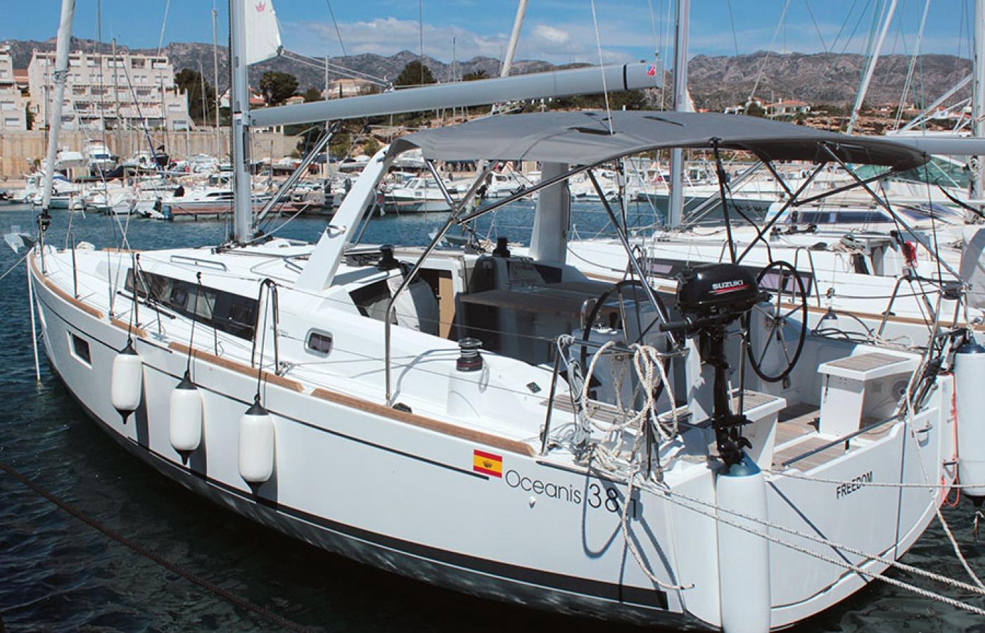 Beneteau Oceanis 38.1. FREEDOM yacht charter in Palma de Mallorca