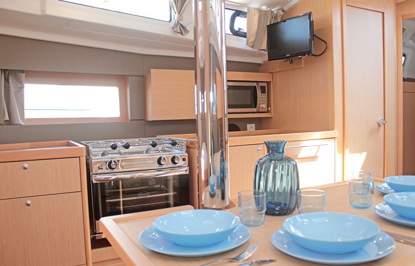 Pale blue kitchenware used on the Beneteau Oceanis 38.1. FREEDOM