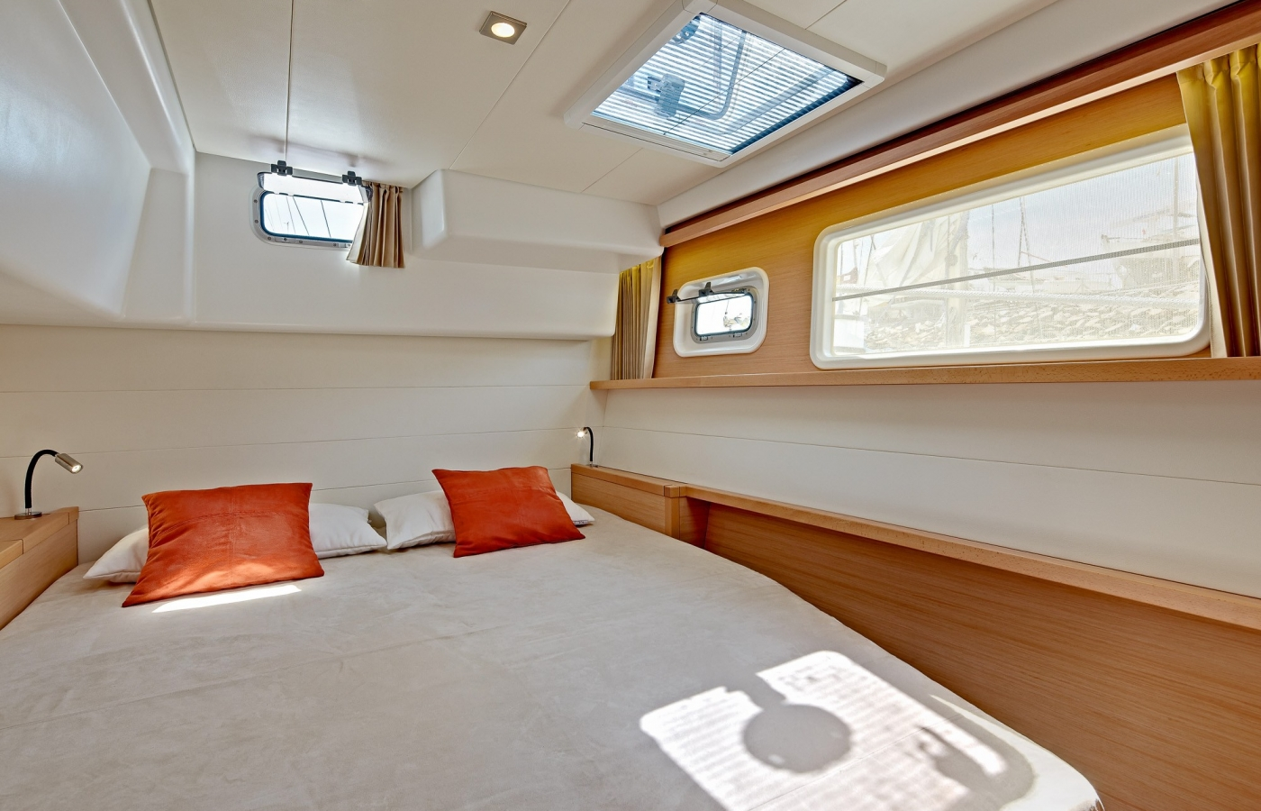 Comfortable cabins on board the Lagoon 450 with large windows