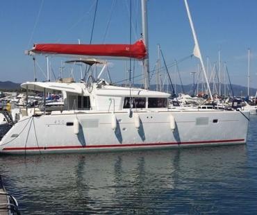Nata Lagoon 450 on Mediterranean waters