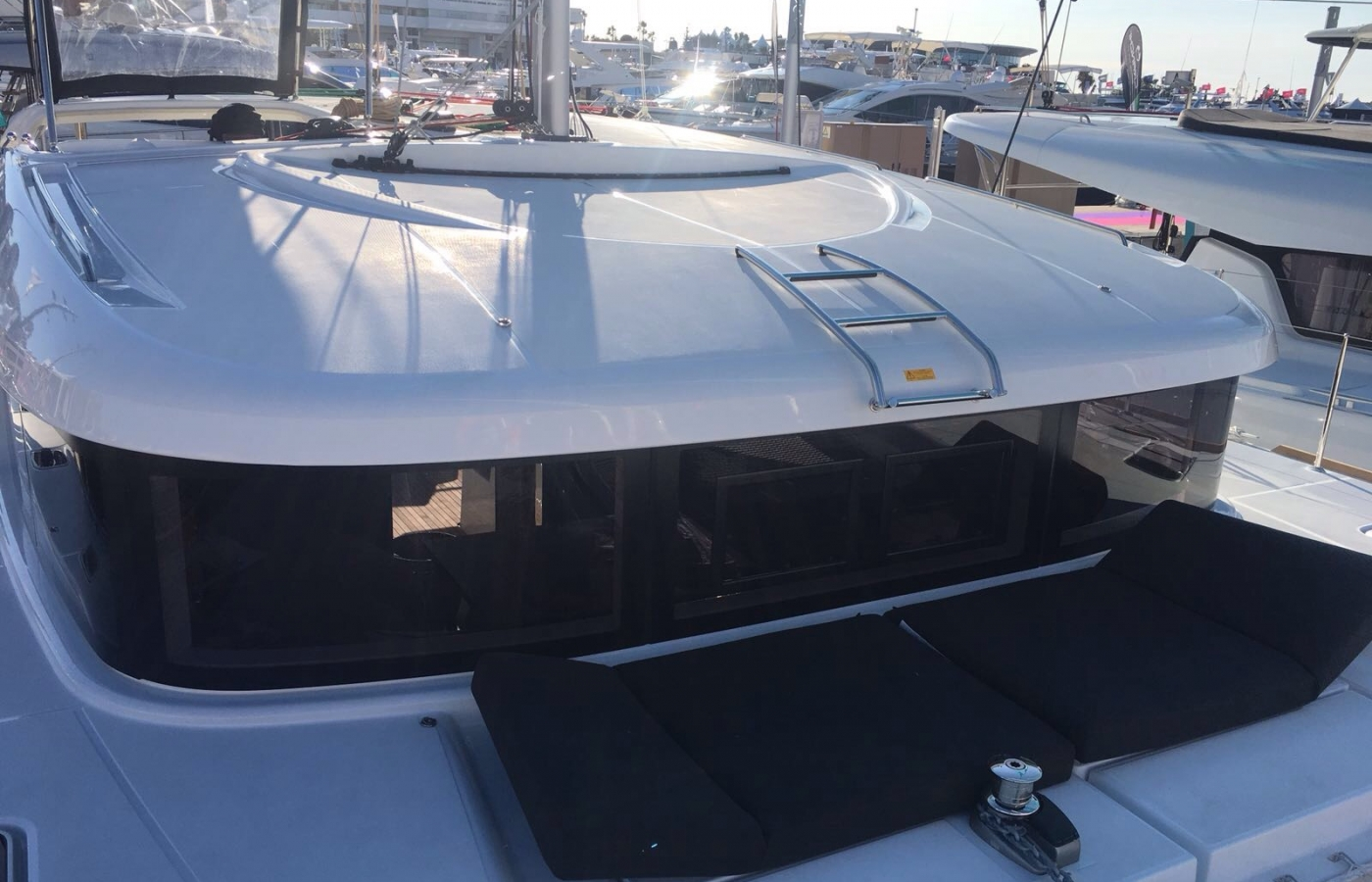 Lagoon 40 - Milù top deck with sunbathing area for guests