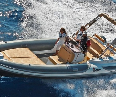 Motonautica MV700 - Perfect Two available to charter now
