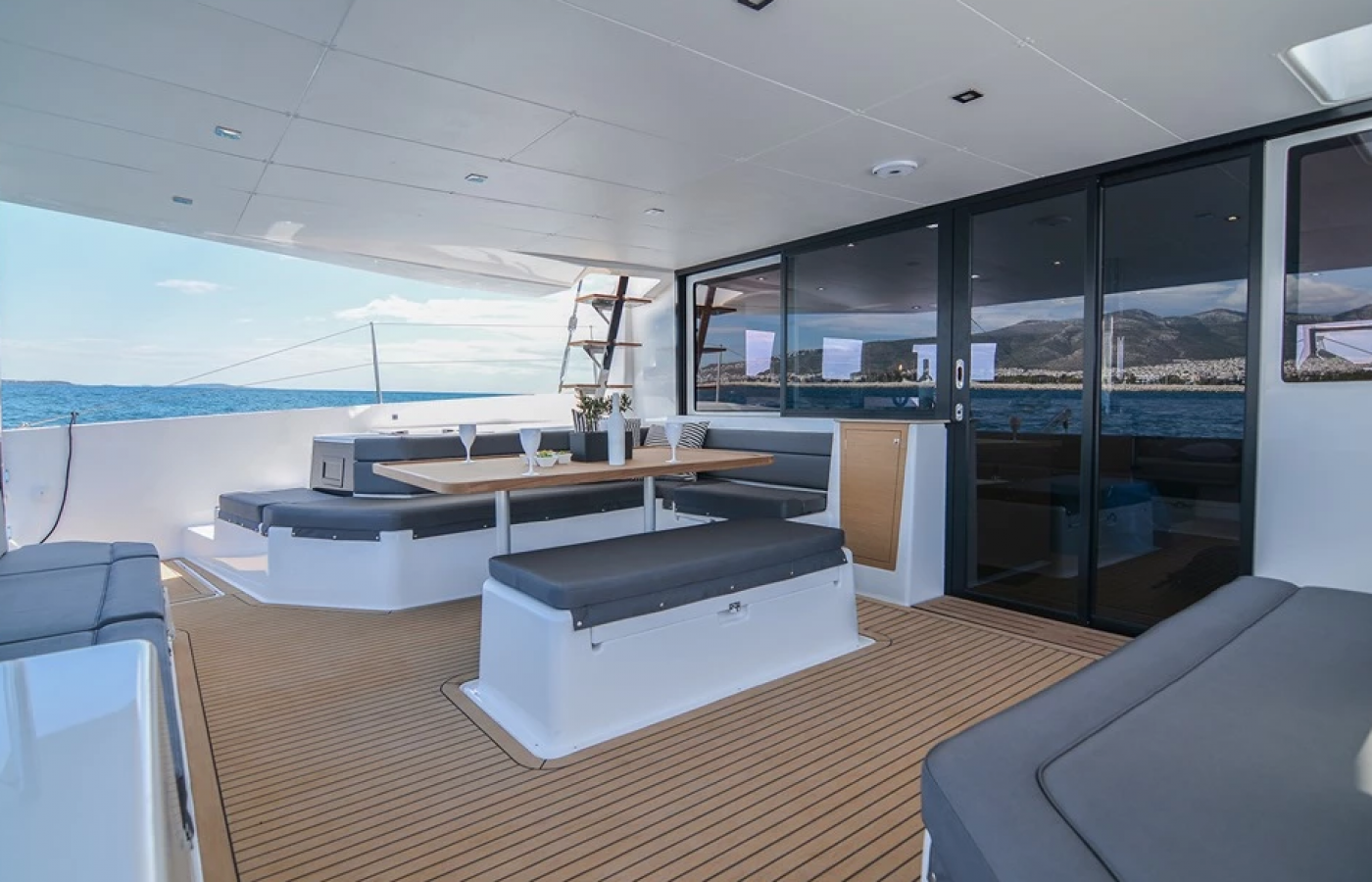 Ample seating on the stern of the boat