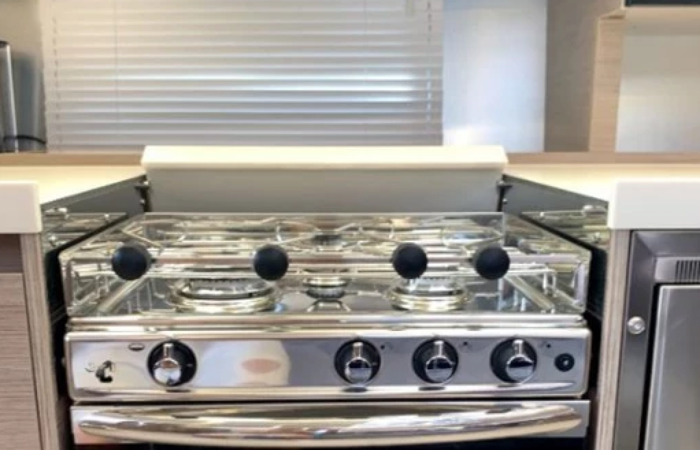 4 Burner Gas Stove on the Hanse 508