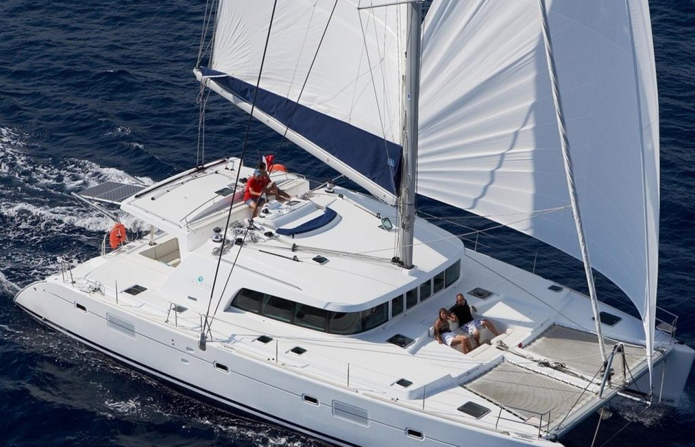 Set sail on the Lagoon 50 Italy cat from Salerno - Marina d'Arechi
