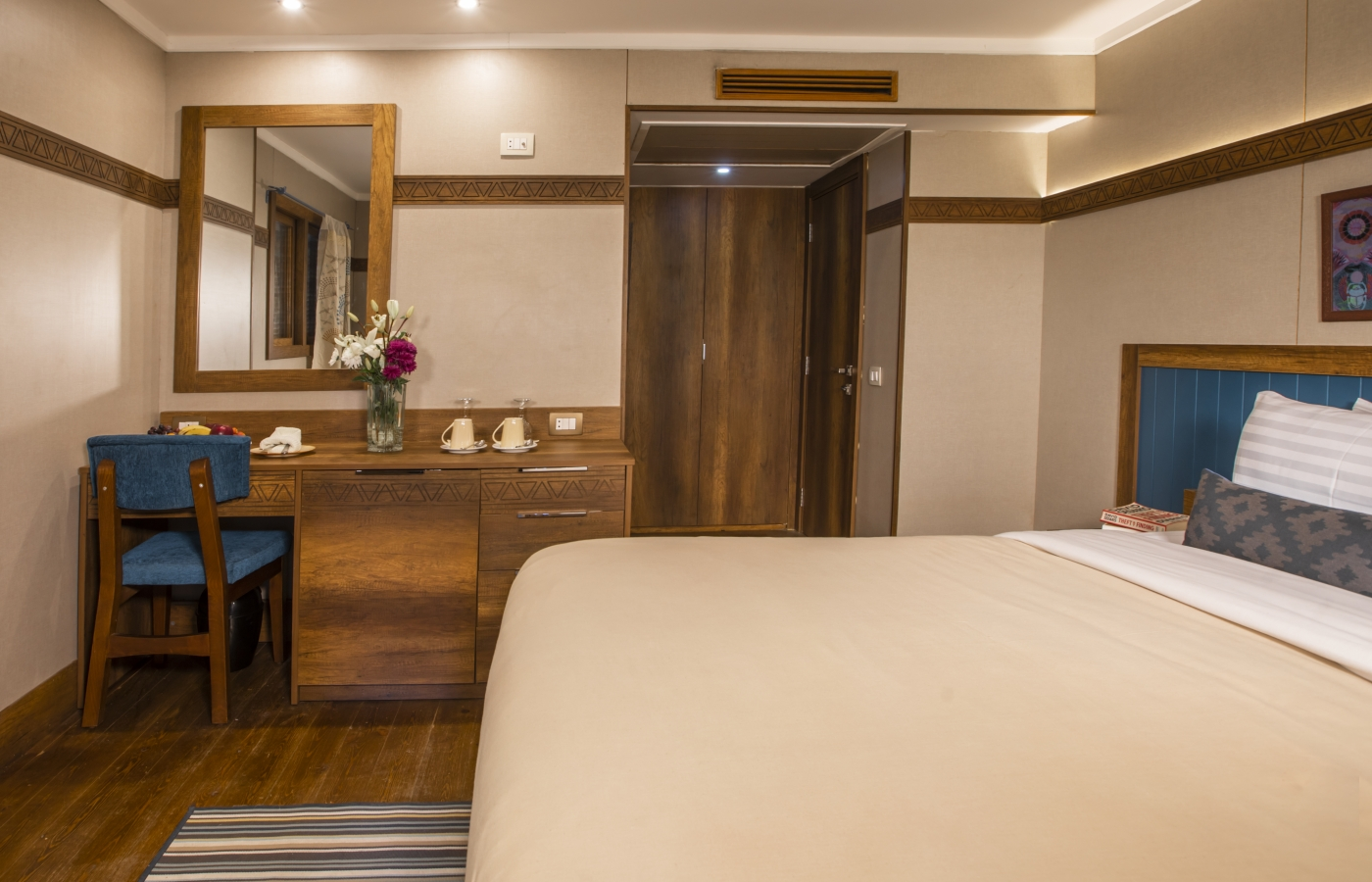 The Suite 2