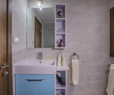 The Cabins Bathroom 2